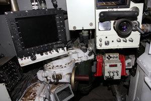 炮长配备大型综合信息液晶显示器,观察更为直观