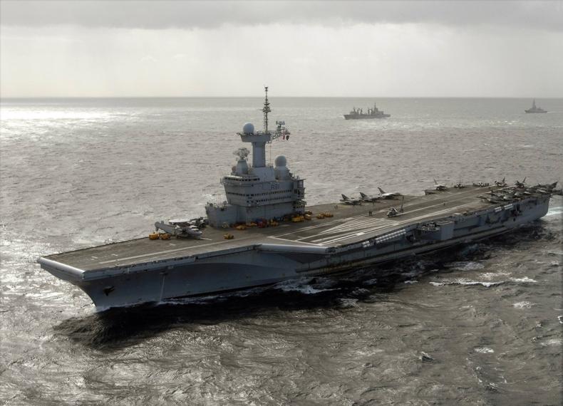 """法国海军""""戴高乐""""号航空母舰"""