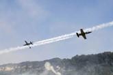 百年灵喷气机双机对飞
