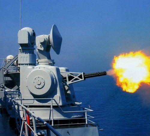 资料图:中国海军730近防炮进行拦截射击