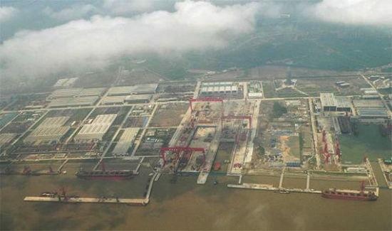 资料图:国外网站登载的江南造船厂长兴岛新址空中俯视图,国外认为中国将在这里建造国产航母
