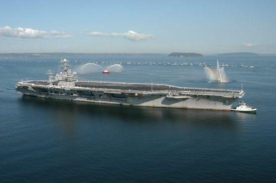 资料图:美国海军林肯号核动力航母