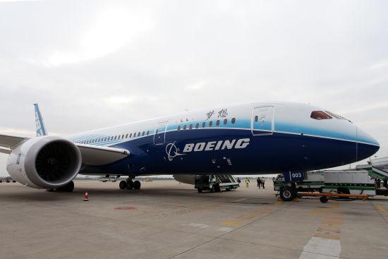 """美国联邦航空局25日正式批准波音787""""梦想""""客机的电池系统改进方案。"""