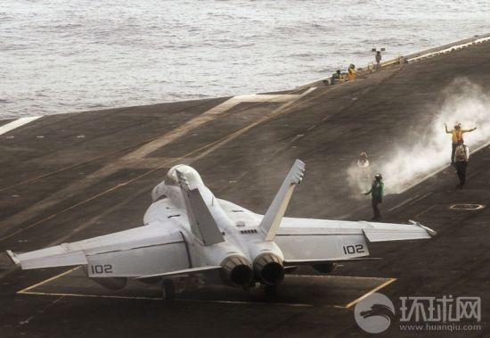 正在印度洋上航行的美国海军尼米兹号航空母舰(CVN 68)于6月7日发生了火灾