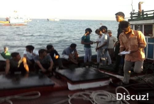 越南媒体发布的渔民照片