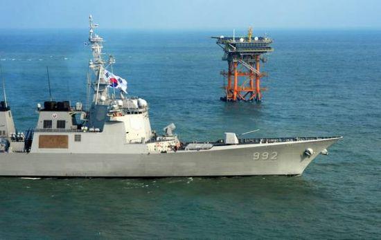韩国海军最强军舰高调巡航我苏岩礁