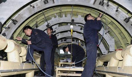 ARJ21飞机111架机中机身开始总装