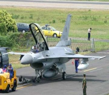 资料图:台军所装备的早期型F-16战斗机
