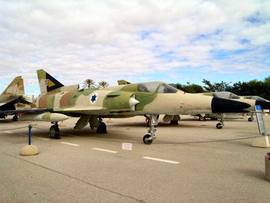 """""""幼狮""""战斗机是以色列40年前的产品"""