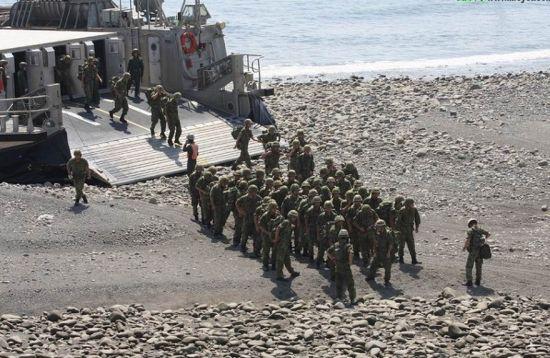 资料图:正在集结的日本海自陆战队