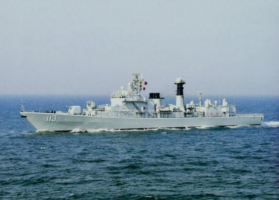 装备乌克兰发动机的中国海军052驱逐舰113青岛舰