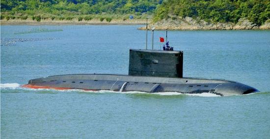 资料图:中国海军636M型常规潜艇。