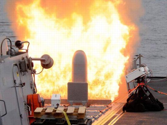 资料图:美军发射战斧导弹