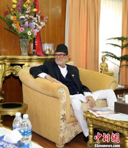 图为尼泊尔总理柯伊拉腊接受中新社、中新网记者专访。 符永康 摄