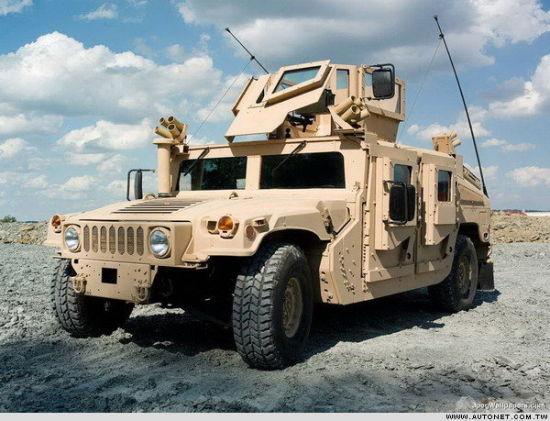 """资料图:""""终结版""""美国悍马军用吉普车"""