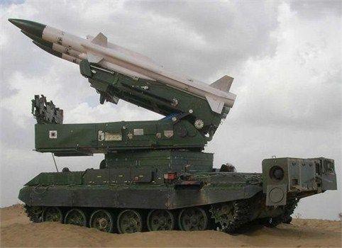 """资料图:在防空导弹领域,印度迄今还在着力于研制基于俄制SA-6导弹的""""阿卡什""""导弹,其反导导弹技术能够取得多大的突破呢?"""