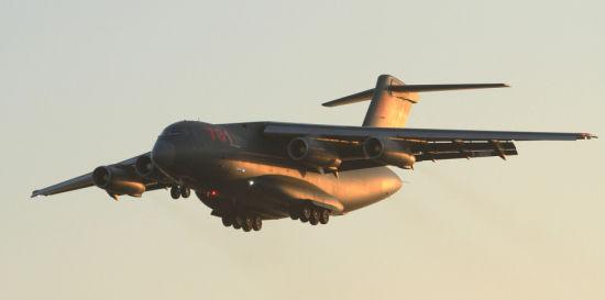 资料图:1月26日,为纪念运-20运输机首飞一周年,有网友在网络上曝光了运-20运输机的最新试飞照。