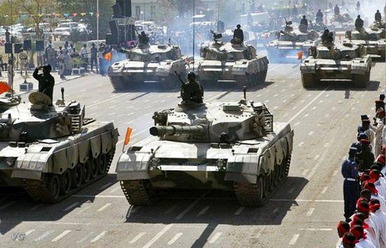 资料图:中国85-II与59D主战坦克成苏丹陆军重要装备!