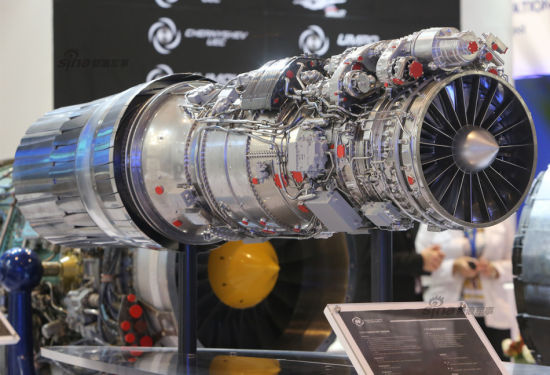 资料图:珠海航展当日俄罗斯在华展示F117S矢量发动机等。F117S矢量发动机是中国急需的发动机,因为没有它歼20战机就无矢量发动机使用。