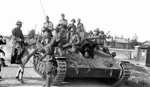 资料图:苏军出兵中国东北