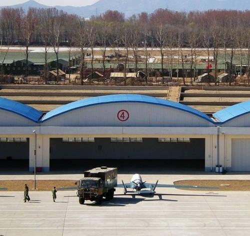 资料图:据称BZK-005无人机是哈飞与北航联合设计的一种具有隐身能力的中高空远程无人侦察机系统飞行器。