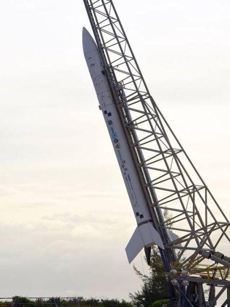 """准备发射的""""超级斯届比""""火箭"""