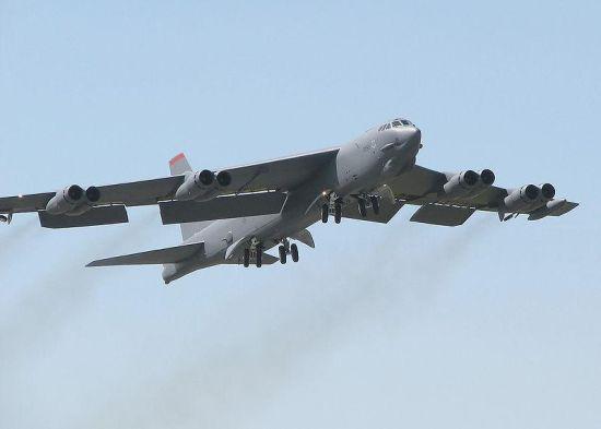 资料图:美军B52轰炸机