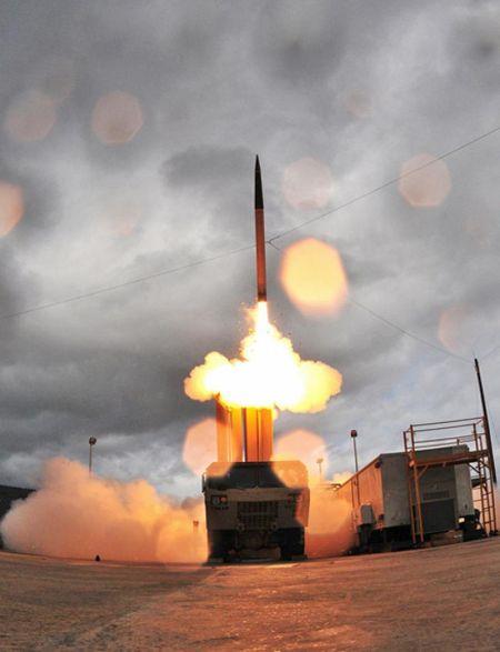 资料图:美国战区高空末段防御(THAAD)系统发射试验