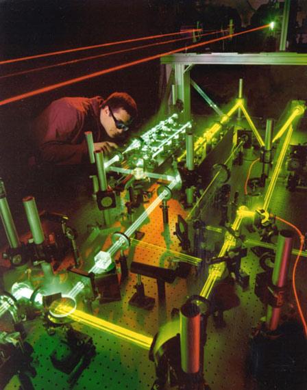 韩国研制高能激光武器能摧毁导弹和远程炮弹