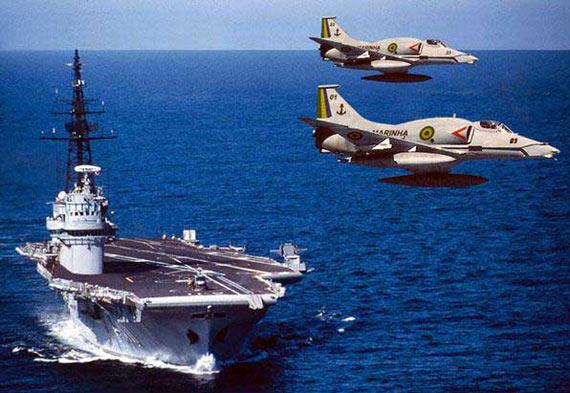 """图文:巴西海军""""圣保罗""""号常规动力航母"""