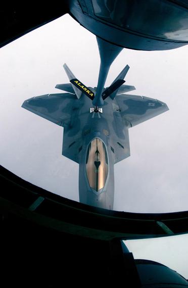 四代战机上必须装备推力矢量发动机已成为共识
