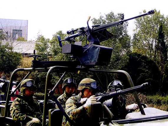 图文:M98-I型火力突击车乘员配置及武器配备