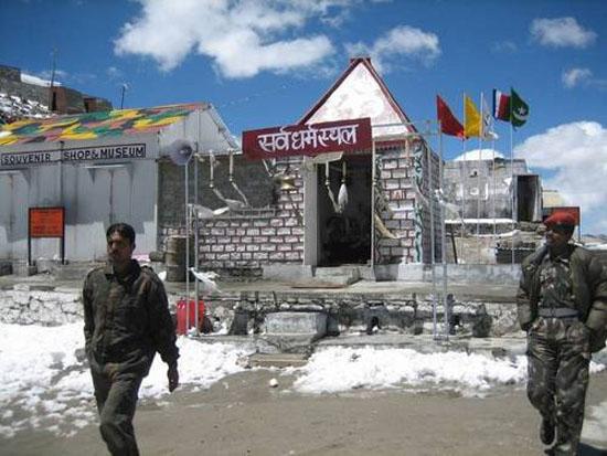 印度高原驻军缺防寒物资5年发生388起冻死事件
