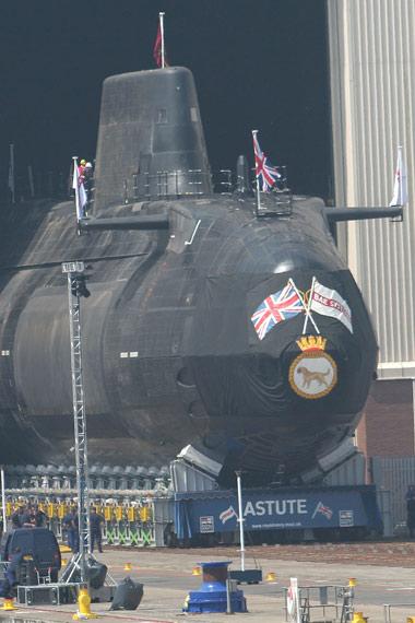 英国将出资150亿美元购10艘机敏级核攻击潜艇