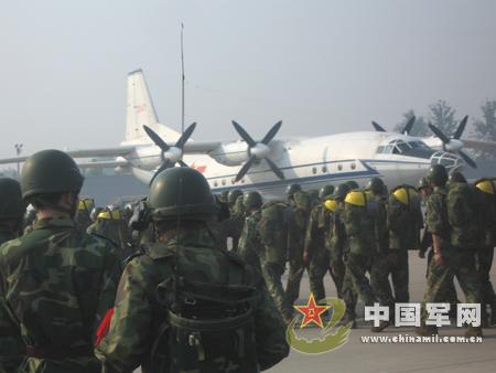 图文:中国空军目前严重缺乏大型运输机
