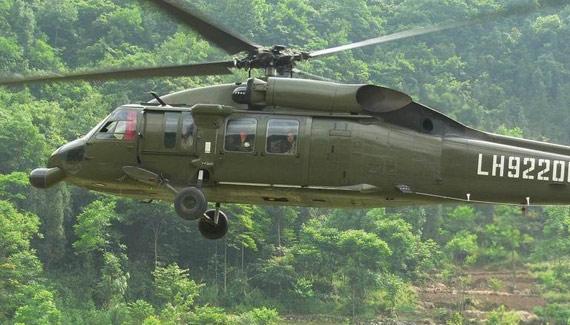 图文:解放军陆航部队装备的美制黑鹰直升机