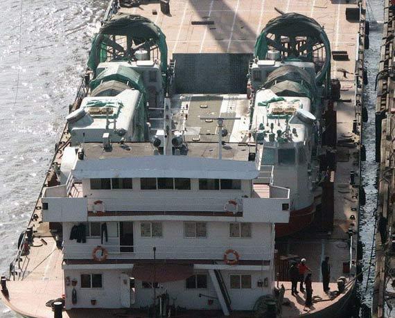 中国最新型气垫登陆艇亮相外形与美LCAC相似