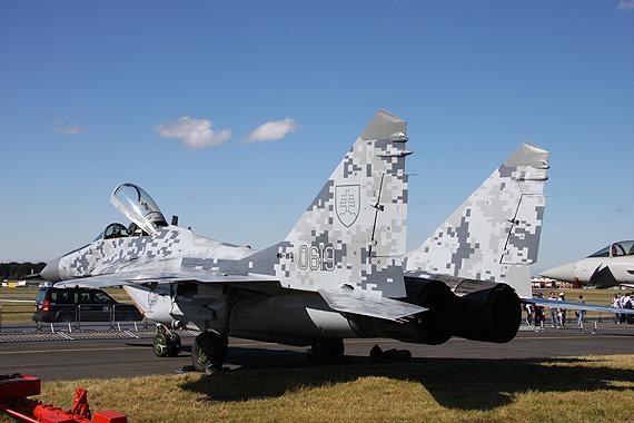图文:斯洛伐克空军米格-29侧后视特写
