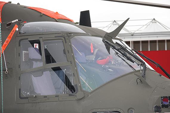 图文:NH90军用运输机前风挡