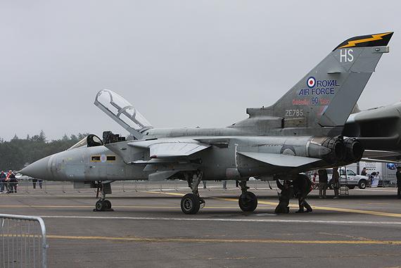 英国皇家空军向公众展示狂风战斗轰炸机(组图)