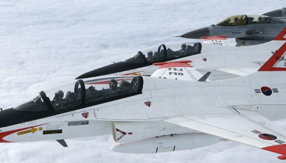 韩国空军已经大量装备T-50高级教练机