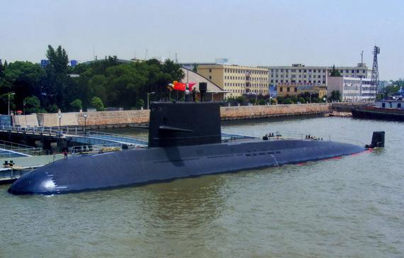 资料图:中国海军新型元级潜艇停靠军港
