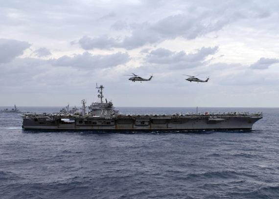 资料图:美国海军乔治・华盛顿号航空母舰与反潜机编队