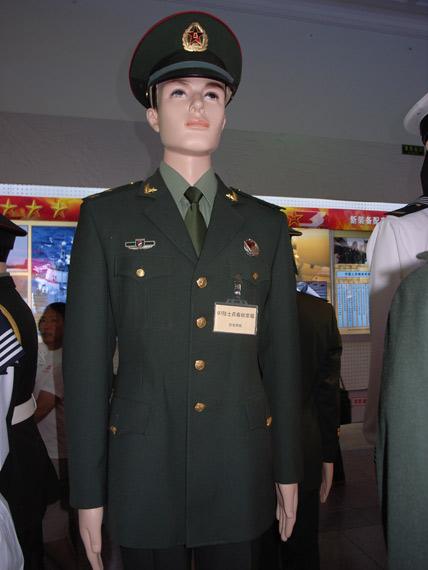 07式陆军男兵春秋常服