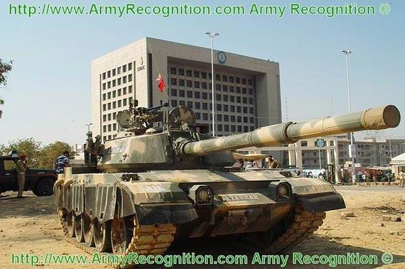 """巴基斯坦展示59式改进型""""艾-扎拉""""主战坦克"""