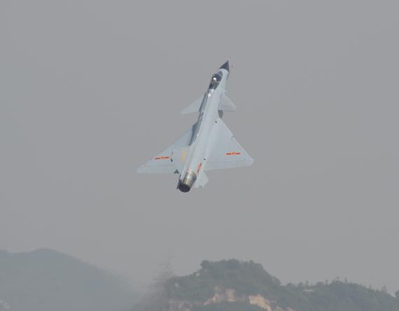 维克托-克拉多夫称歼10战机是中俄合作的项目