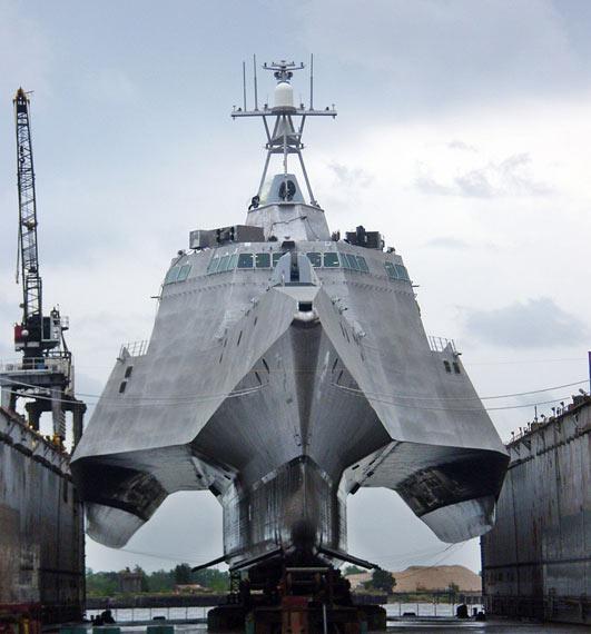 LCS-2号三体设计近海战斗舰
