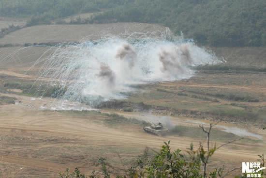 济南军区举行前锋-2009实兵演习(组图)