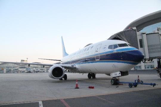 直飞成都的cz6855/6航班和喀什经停乌鲁木齐直飞上海的cz6997/8航班.