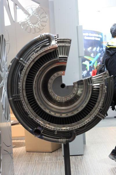 北京航展展出的V2500发动机模型